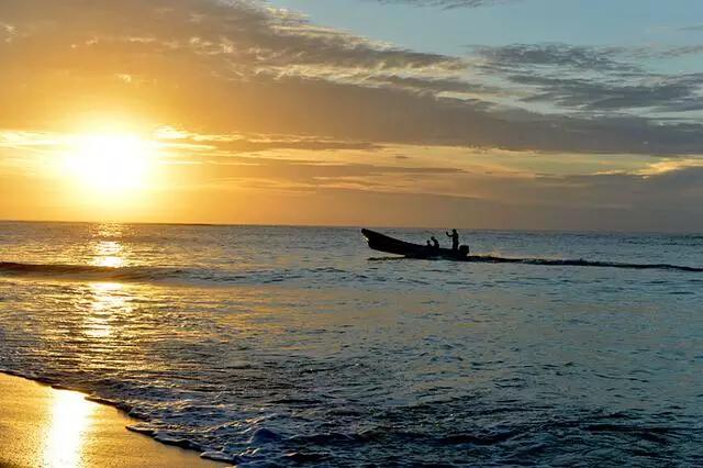 斐济玛娜岛--享受海浪沙滩的美好时光